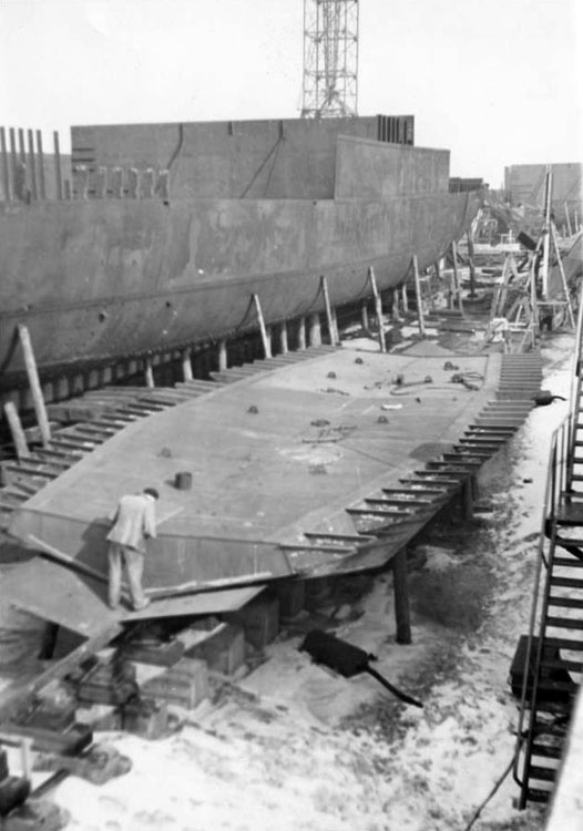 1943 3 mart stoomtrawler-vorpostenboot V-720